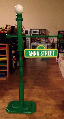 Sesame Street Sign For Annas Birthday It Says Sesame
