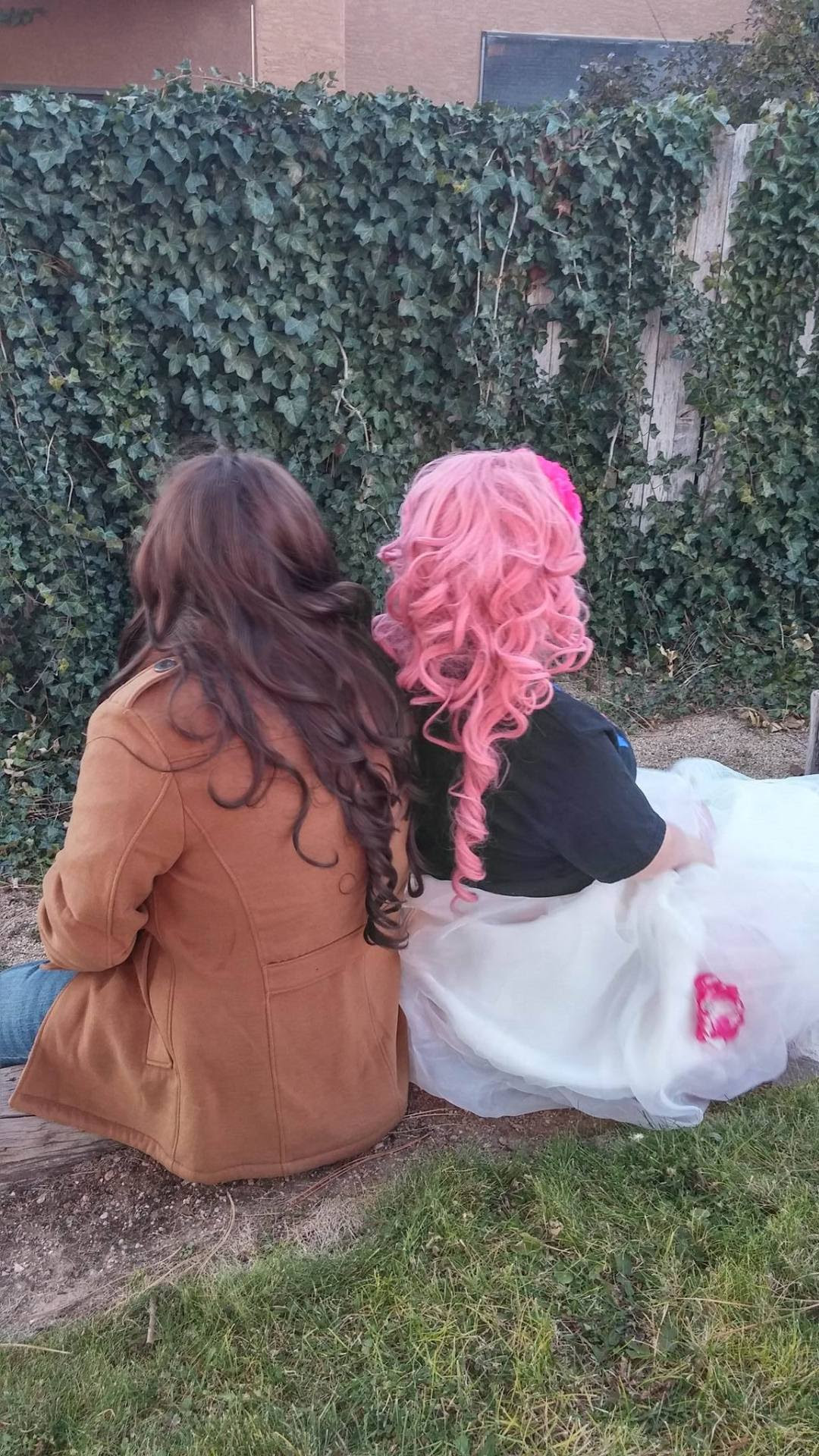 cosp Actually??? While I'm at it, in honor of tonight's episode, here's some Rose and Greg photos I took with @hobbikiin back in December This is probably one of my favorite photo shoots I've done...