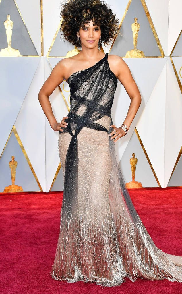 Halle Berry photo rs_634x1024-170226165902-634-academy-awards-oscars-2017-arrivals-halle-berry.jpg