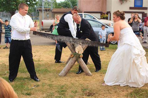 Baumstamm Sägen (Log sawing) German tradition that occurs