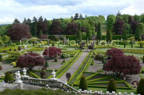 photo drummond-castle-gardens-scotland-05_zpsb92744ed.jpg