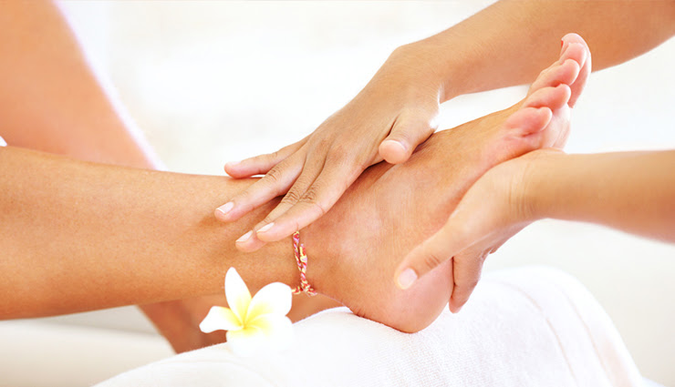 pedicure at home,easy steps to do pedicure at home,step-by-step pedicure,pedicure tips,pedicure tips,beauty tips,beauty tips