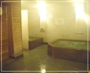帝国ホテルの「大浴場」……こんな空間もあったんですねー。