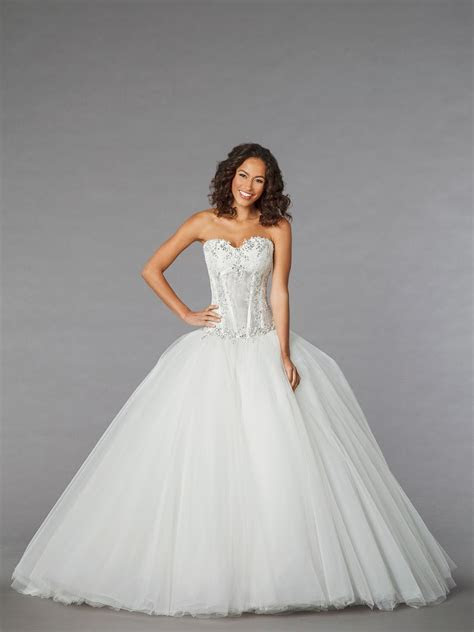 Pnina Tornai for Kleinfeld Bridal Gowns   Wedding and bridal