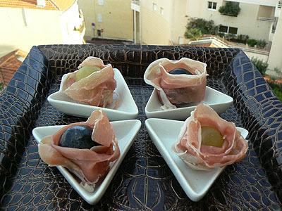 corolles de jambon, coeurs de raisins.jpg