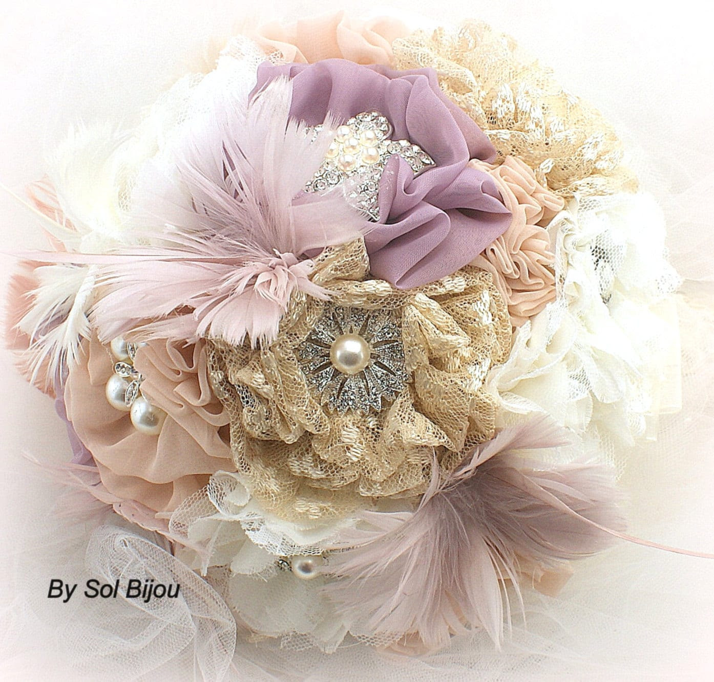 Brooch Bouquet Vintage-Style in Ivory, Champagne, Blush and Lilac with Feathers, Lace and Pearls
