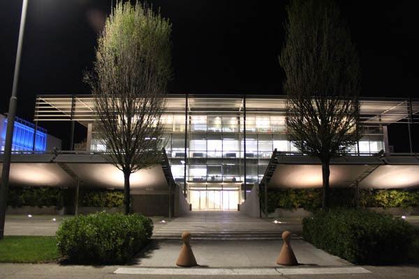 fachada iguzzini iGuzzini, diseño italiano aplicado a la luz