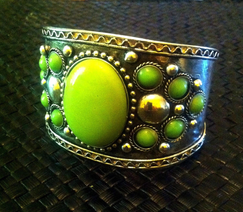 50% off SALE Vintage Apple Green Agate Stone Cuff Vintage Silver Cuff