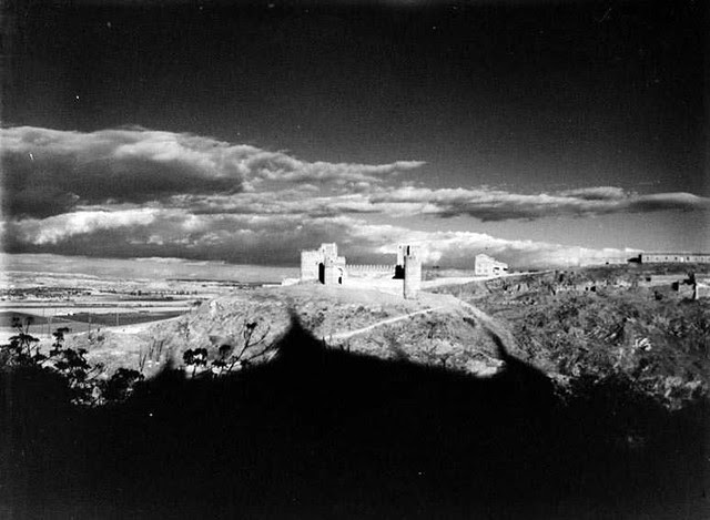 Castillo de San Servando en 1935. Fotografía Josep Gaspar i Serra © Arxiu Nacional de Catalunya. Signatura ANC1-23-N-1548