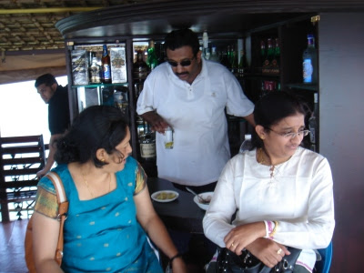 Rajeshattan, Viji and me on the upper deck