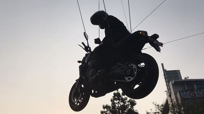Video pembukaan Asian Games yang mengatakan Jokowi beraksi kolam  Mengintip Lebih Dekat Stunt Rider Jokowi yang Ciamik Saat Beraksi