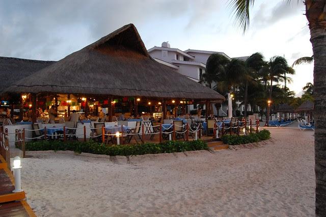 cancun_resort_restaurant