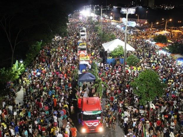Corso reúne 250 mil foliões em Teresina, afirma Polícia Militar