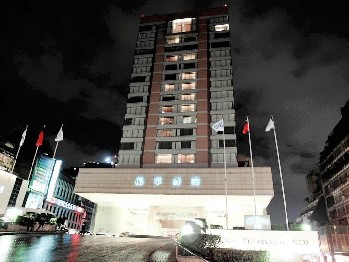 regent taipei hotel at night