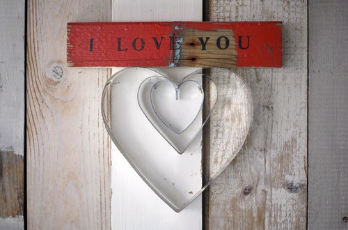 [i love you] by wood & wool stool