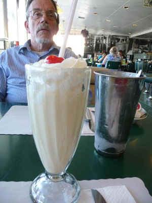 milkshake.jpg (52446 bytes)