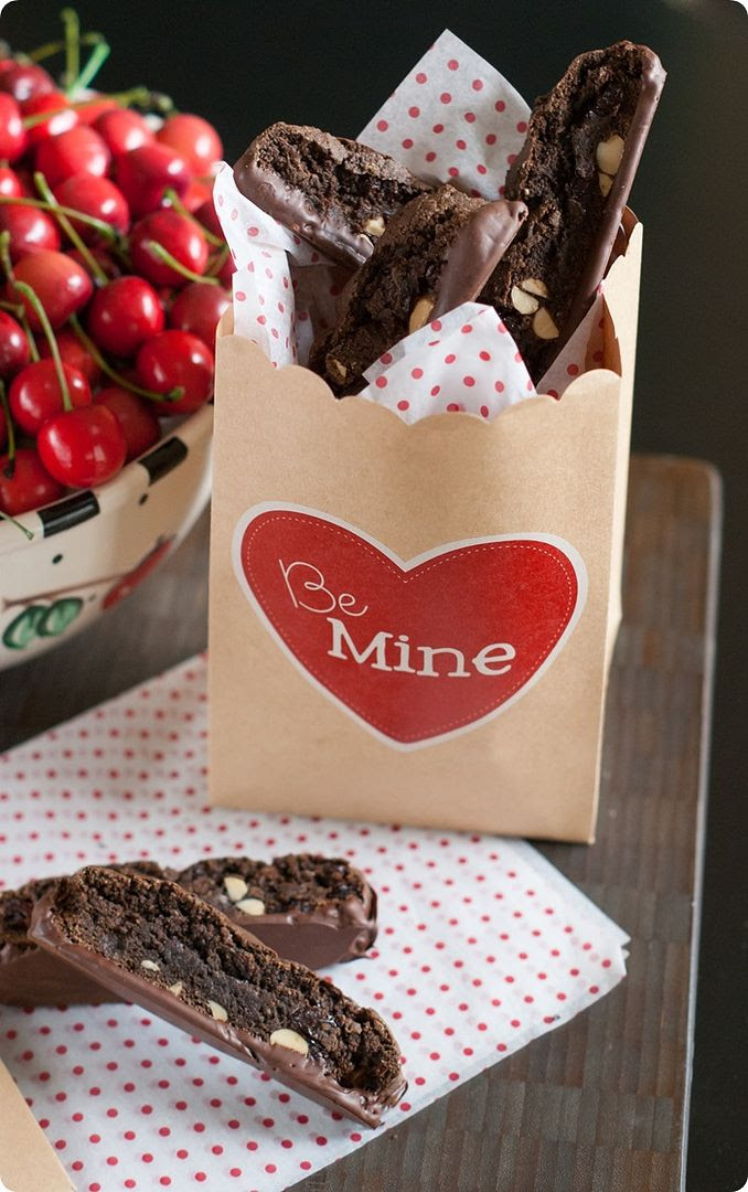chocolate almond cherry biscotti recipe ♥