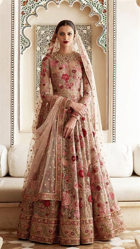 Best 25  Indian wedding dresses ideas on Pinterest