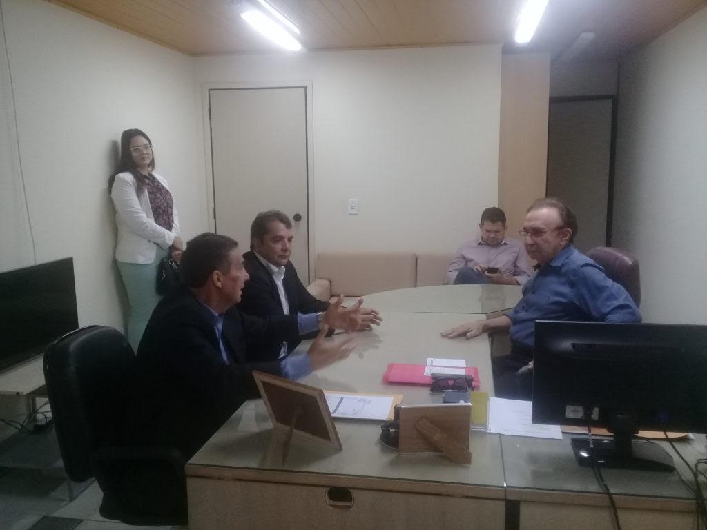 Tema debate assuntos municipalistas com presidente do Tribunal de Contas