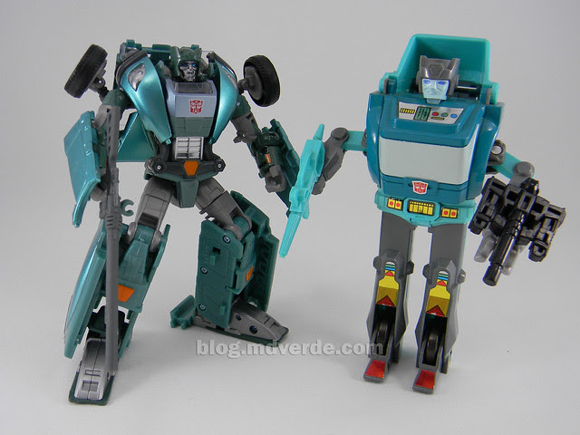 Transformers Kup United Deluxe - modo robot vs G1