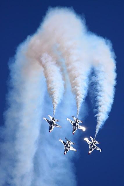 IMG_3024 Thunderbirds, Travis AFB Air Show