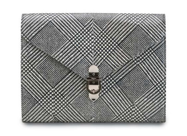 4 - fw11-12-clutch-ferragamo-press