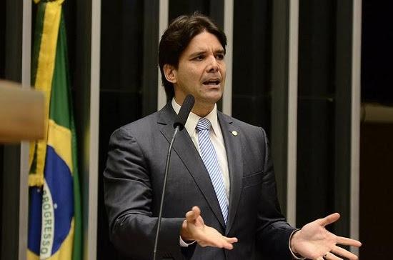 """Não é apenas pelos 20 centavos"""", diz Felipe Maia ao defender impeachment da presidente Dilma Rousseff"""