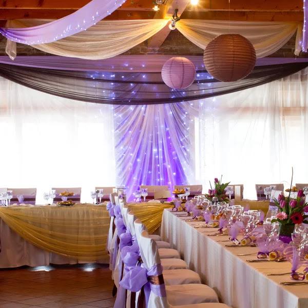 Lugar de la boda con decoraciones — Foto de Stock #42784981