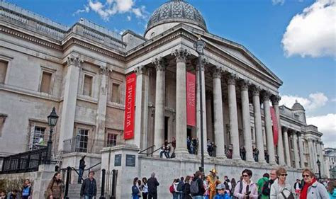 workers  prestigious museums  art galleries set