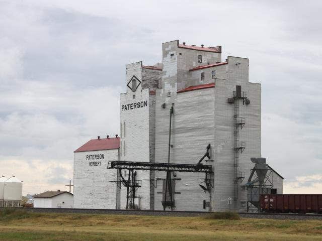 The grain elevator (Paterson) in Herbert, SK