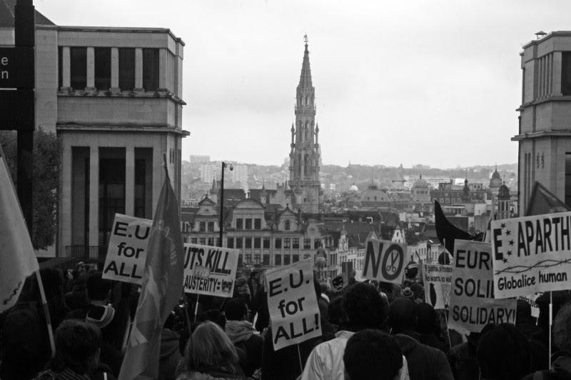 <p>Manifestación por una Europa de las personas y no del capital el sábado 17 de octubre en Bruselas.</p>