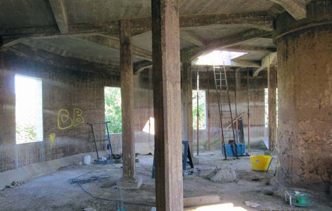 Εγκαταλελειμμένος πύργος νερού μετατράπηκε σε εντυπωσιακή κατοικία (8)