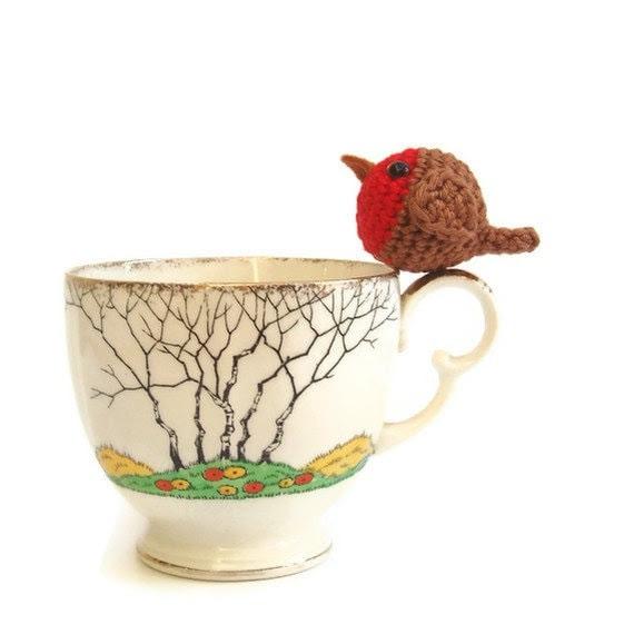 Crochet robin,  tiny robin christmas decoration