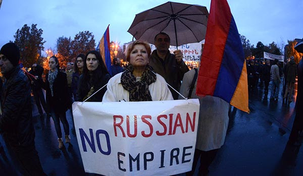 http://armenianow.com/sites/default/files/img/imagecache/600x400/anti-putin-protest-meeting-yerevan.jpg