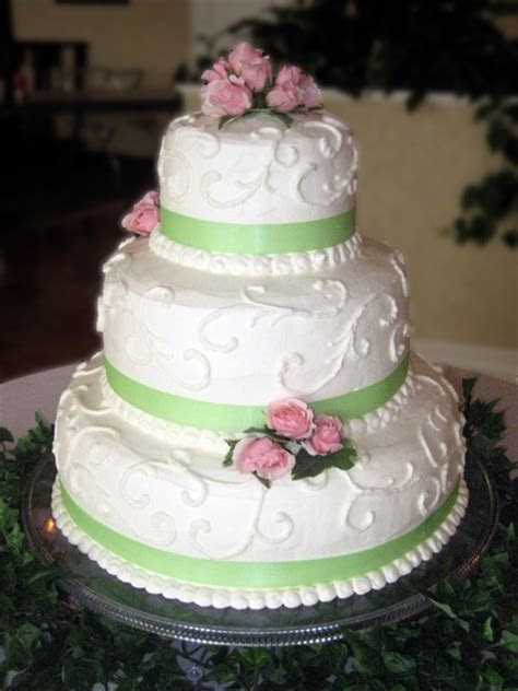 Wedding Cakes : Connie's Cakes LLC