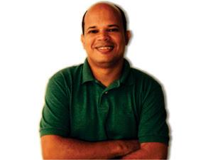 Jornalista Décio Sá, de 42 anos é morto na Avenida Litorânea (Foto: Divulgação)