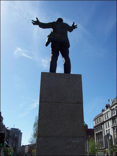 Jim Larkin statue, O'Connell Street, Dublin, May 2008