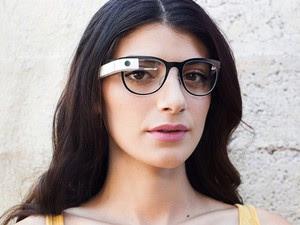 Google Glass agora tem versões em óculos de sol e com lentes (Foto: Reprodução/Google)