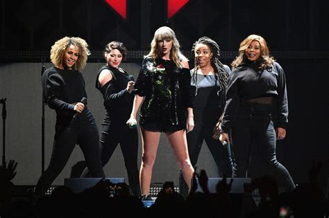 Taylor Swift admits she blocks her backing dancers from