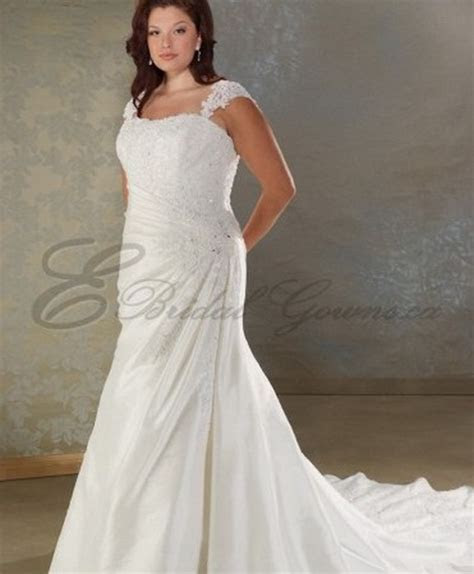 Wedding dresses for full figured women