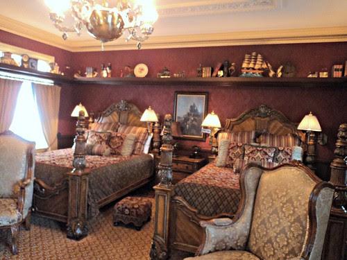 Disney Dream Suite -- kids bedroom