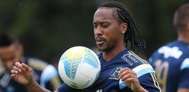 Arouca se machucou aos 17 minutos do primeiro tempo da partida contra o Santos