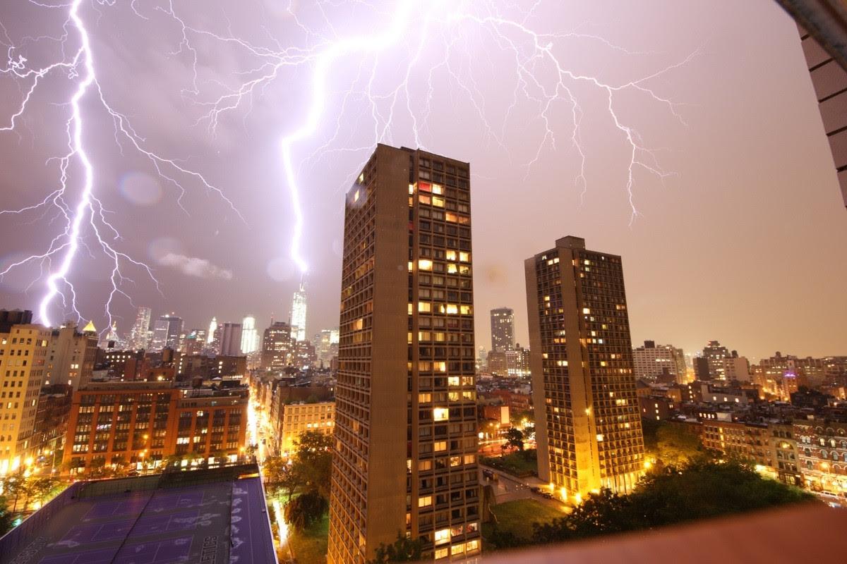 One World Trade Center struck by lightning