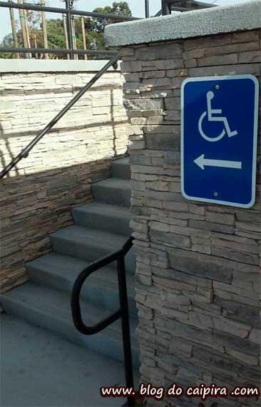 rampa acesso fácil cadeirantes