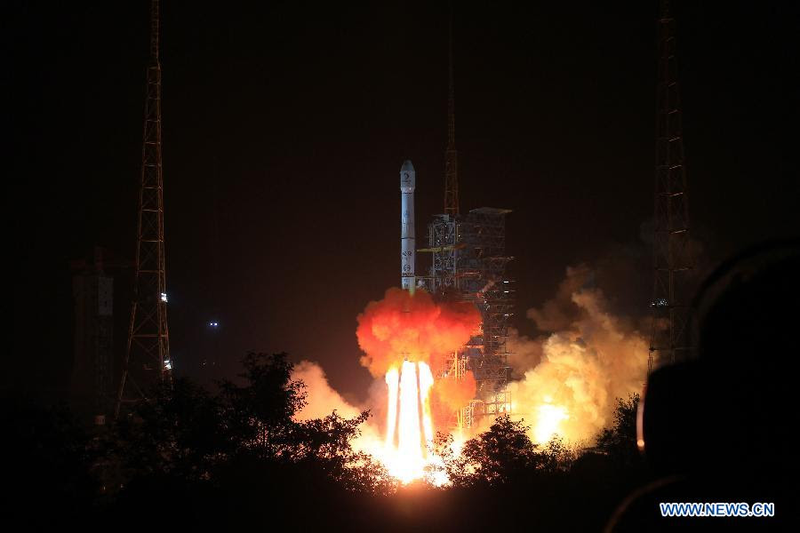 Chang'e-3 night launch from Xichang