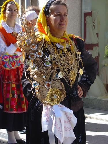 Desfile etnográfico - Traje de Mordoma - Viana do Castelo by Helena Compadre