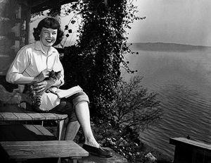 Bildergebnis für Betty MacDonald and her cat