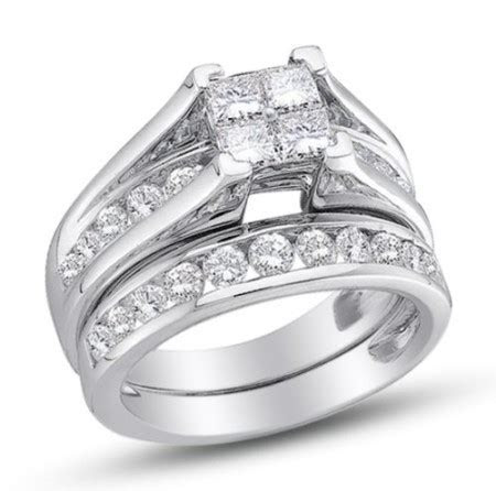 Size 7   10K White Gold Princess and Round Cut Diamond