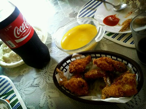 Happy sunday lunch to all. Heres our meal cold coca cols and chicken wings and soup by popazrael