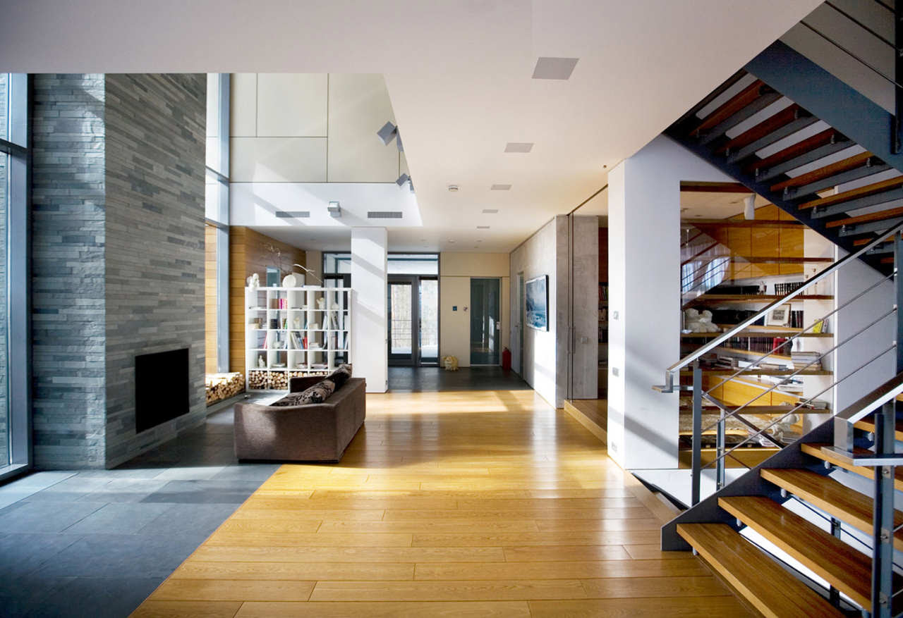 18 Stylish Homes with Modern Interior Design Photos ...